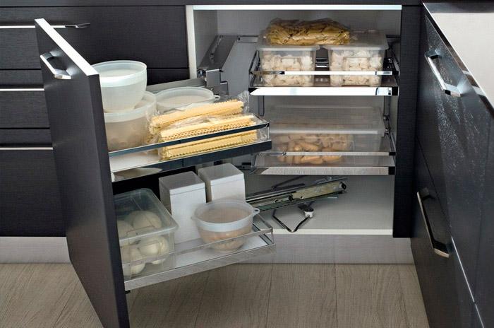 Фурнитура для кухни. Выдвижные корзины